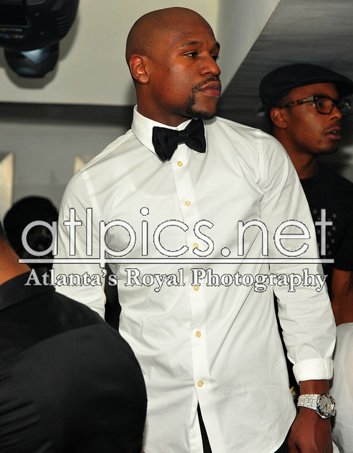 floyd-mayweather-iced-out-audemars-piguet-baguette-diamonds-ludacris-bday-party-2