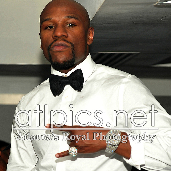 floyd-mayweather-iced-out-audemars-piguet-baguette-diamonds-ludacris-bday-party-3