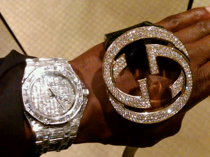 floyd-money-mayweather-iced-out-gucci-belt-audemars-piguet-iced-out-baguette-diamonds