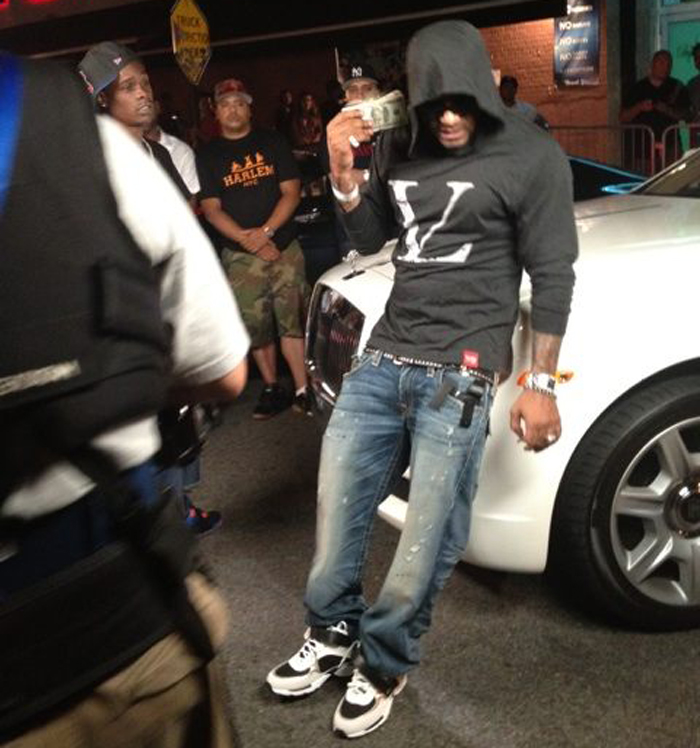 jim-jones-capo-mr-jones-vampire-life-vl-light-hoodie-splashy-splash