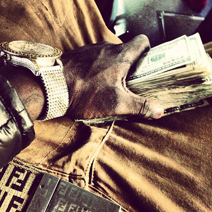 chief-keef-iced-out-yellow-diamonds-breitling-bentley-watch-fendi-belt-2