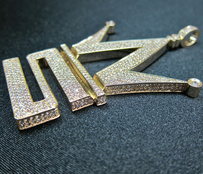 iced-out-worldstarhiphop-logo-piece-pendant-yellow-gold-diamonds-ben-baller
