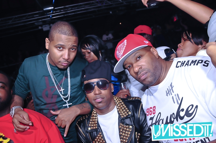 juelz-santana-ysl-yves-saint-laurent-green-sweater-iced-out-crosses-5