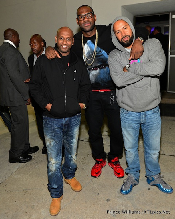 Lebron-James-in-Givenchy-Shark-Sweatshirt-sweater-crewneck-2
