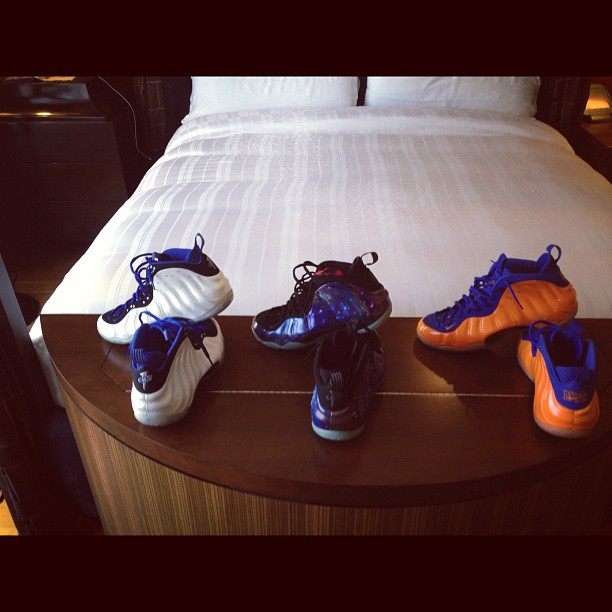 penny-hardaway-foamposites-white-blue-shooting-stars-foams-galaxy-foams-orange-blue-knicks-spike-lee-foams