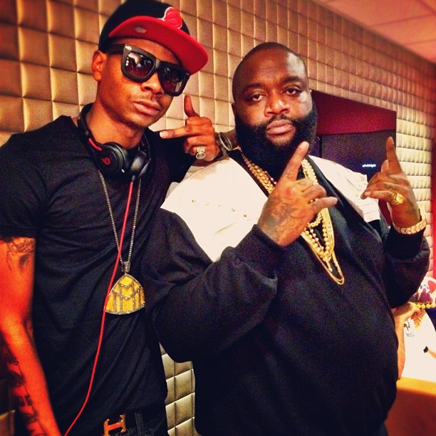 rick-ross-dj-sam-sneak-yellow-mmg-piece-chain-hermes-belt