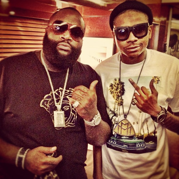 rick-ross-versace-shirt-dj-sam-sneak-mmg-chain