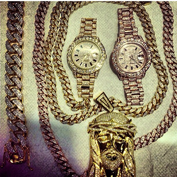 french-montana-iced-out-cuban-link-chain-jesus-piece-rolex-day-date-ii