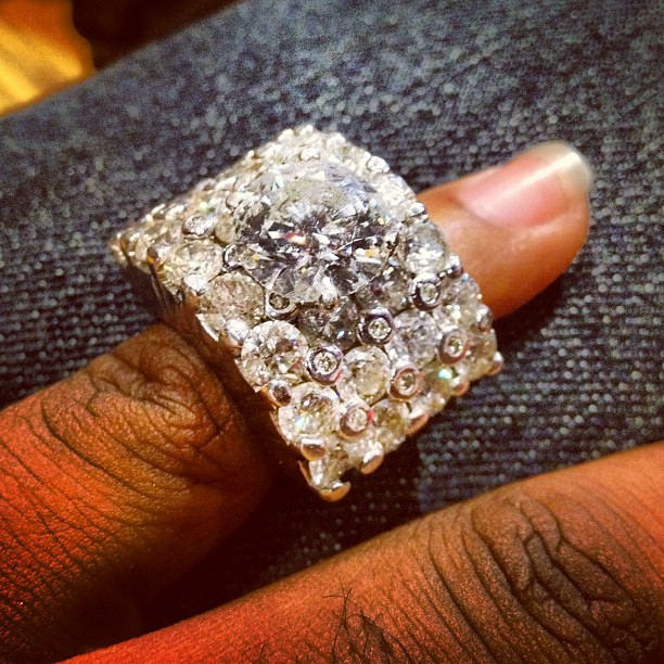 juelz-santana-cant-feel-my-face-ring-iced-out-pinky-ring