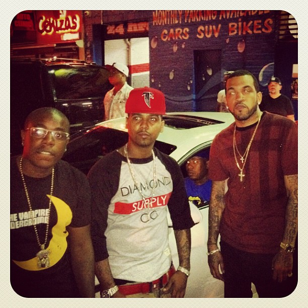 juelz-santana-diamond-supply-co-the-bar-baseball-tee-atlanta-falcons-snapback-red-hermes-belt-lloyd-banks-trav