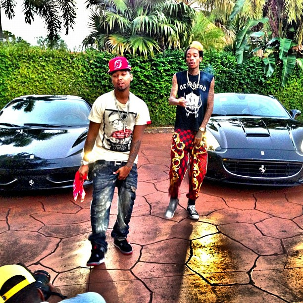 juelz-santana-hermes-belt-jordan-4-breds-fly-supply-the-fly-life-shirt-wiz-khalifa-miami