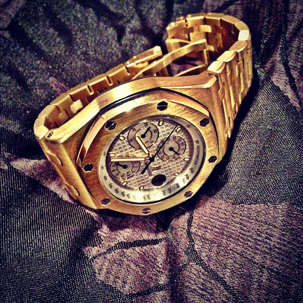 21ee54bc728f9 Meek Mill Yellow Gold Audemars Piguet Watch Splash