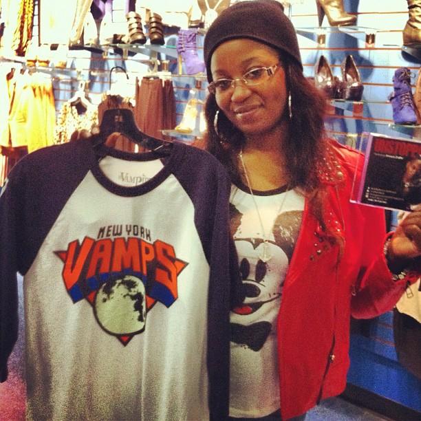 vampire-life-clothing-new-york-vamps-baseball-tee-shirt-women