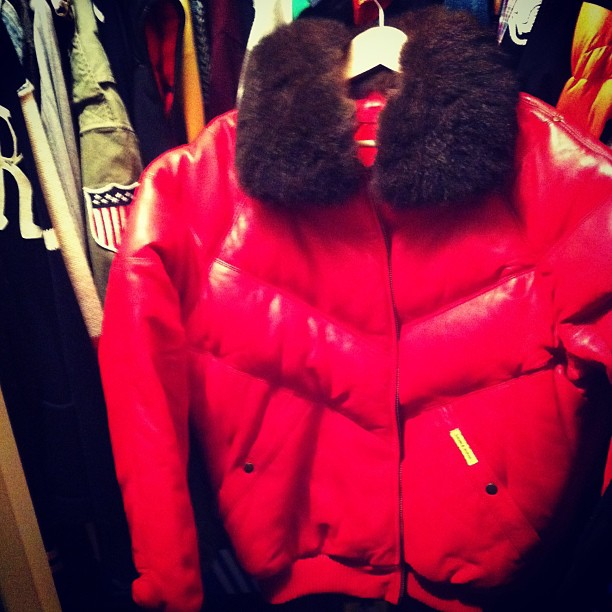 double-goose-red-v-bomber-leather-jacket-vinnie-styles