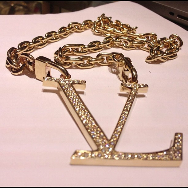jim-jones-vampire-life-chain