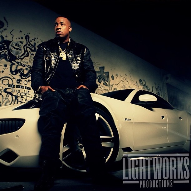 yo-gotti-versace-fit-all-white-fisker-karma