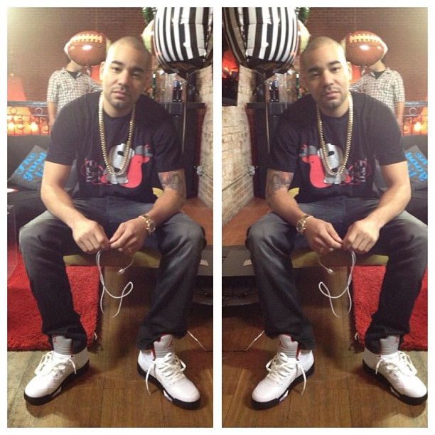 dj-envy-slowbucks-shirt-jordan-5-fire-red