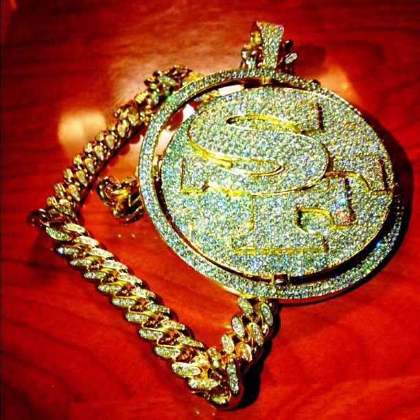 fabolous-iced-out-sf-piece-street-family-pendant-cuban-link-chain