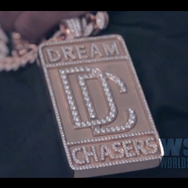 meek-mill-dreamchasers-chain-piece-dream-chasers
