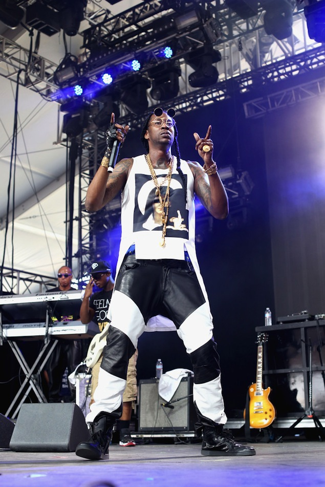 2-Chainz-Givenchy-Madonna-Print-Tank-Top-Shirt-En-Noir-BMX-Leather-Pants-Gucci-Sneakers-Coachella-5