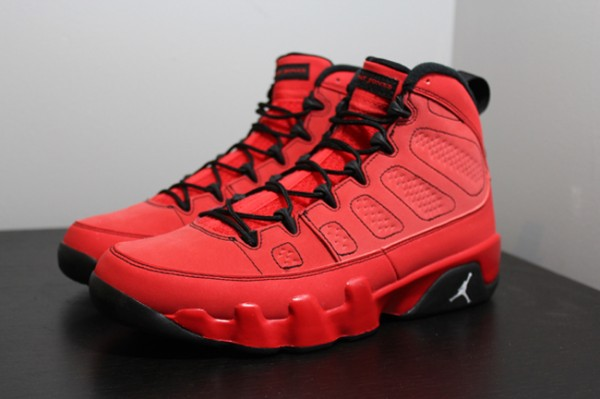 air-jordan-9-retro-motorboat-jones-hitting-retilers-600x399