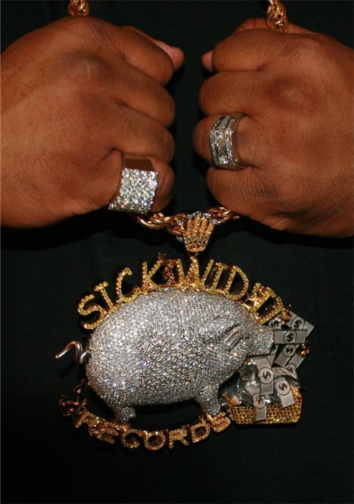 Gucci Link Chain >> E-40 Sick Wid It Records Chain & 40 Water Piece Splash ...