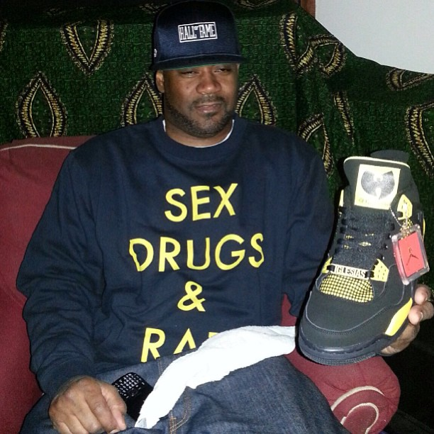 ghostface-killah-diamond-supply-sex-drugs-rap-crewneck-sweatshirt-air-jordan-4-thunder-wu-tang