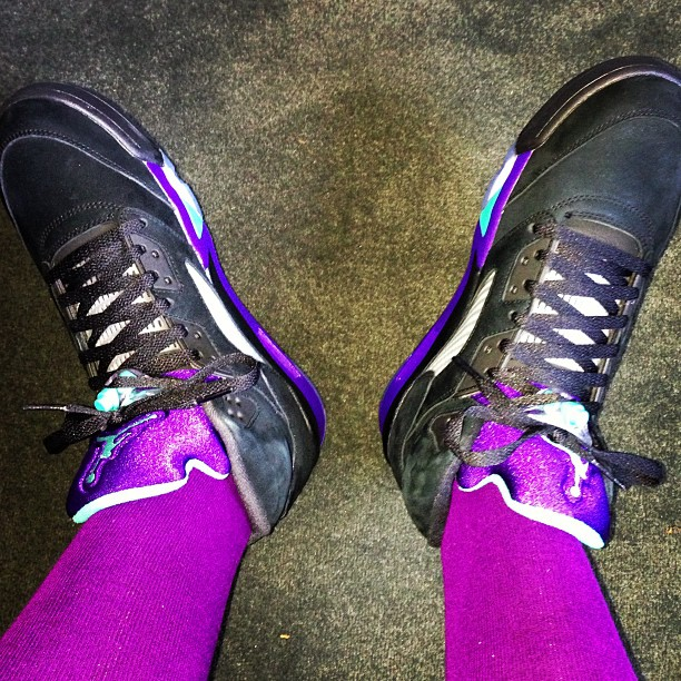 fredo-santana-jordan-5-black-grapes-on-feet