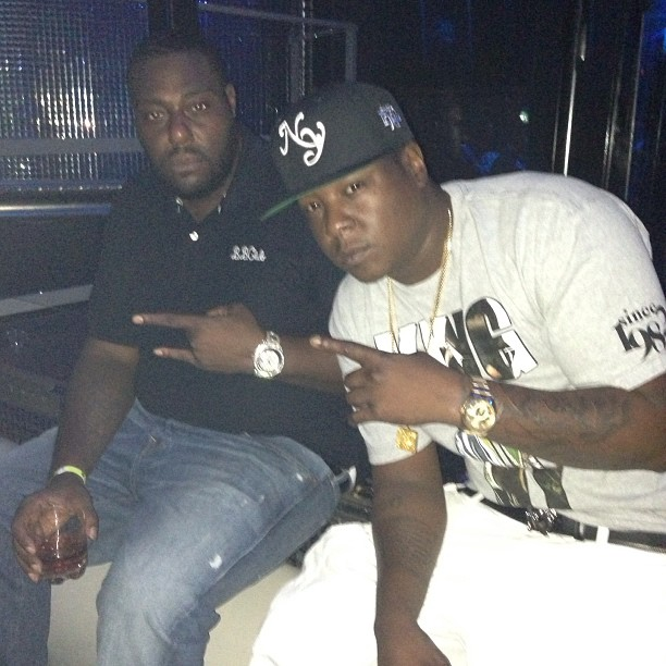 jadakiss-king-of-ny-shirt-jordan-11-cool-greys-on-feet