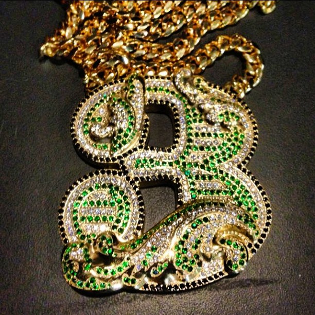 mmg-selfmade-3-iced-out-chain