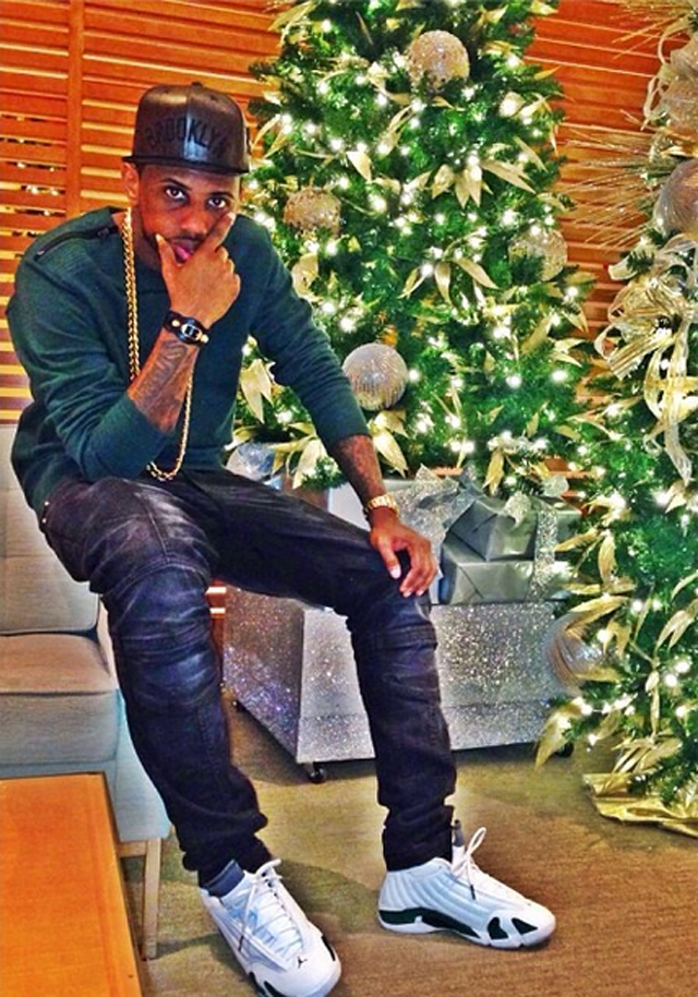fabolous-just-don-brooklyn-snapback-balmain-zip-shoulder-sweatshirt-air-jordan-14-forest-green-on-feet
