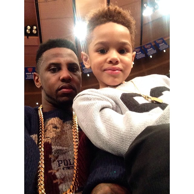 fabolous-wearing-vintage-polo-ralph-lauren-grandpa-bear-sweater-rl-92-knicks-game-joso