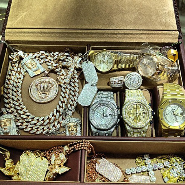 ccacf546890 Sean Kingston s Iced Out Audemars Piguet and Jewelry Collection ...