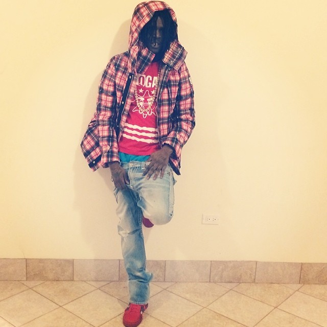 chief keef wearing glo gang clothing gloyalty 300 shirt in