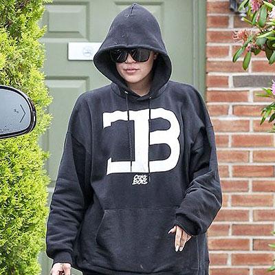 khloe-kardashian-coke-boys-hoodie-thumb