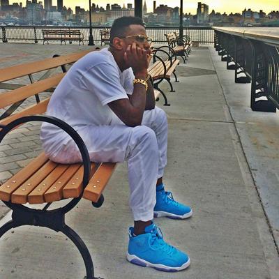 Is Fabolous Wearing Fake Air Jordan 6 Pantone On Feet?