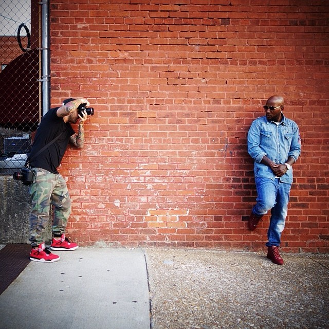 729ff02a7ece Jeezy Wearing Balenciaga Arena Creased Leather High Top Sneakers On Feet