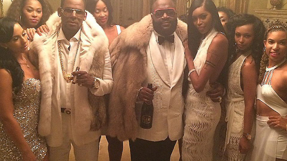 "Rick Ross featuring R. Kelly ""Keep Doin' That"" (Rich B*tch) Music Video"