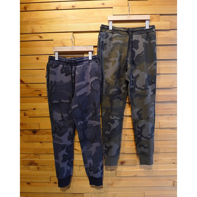 nike-tech-fleece-camo-pant