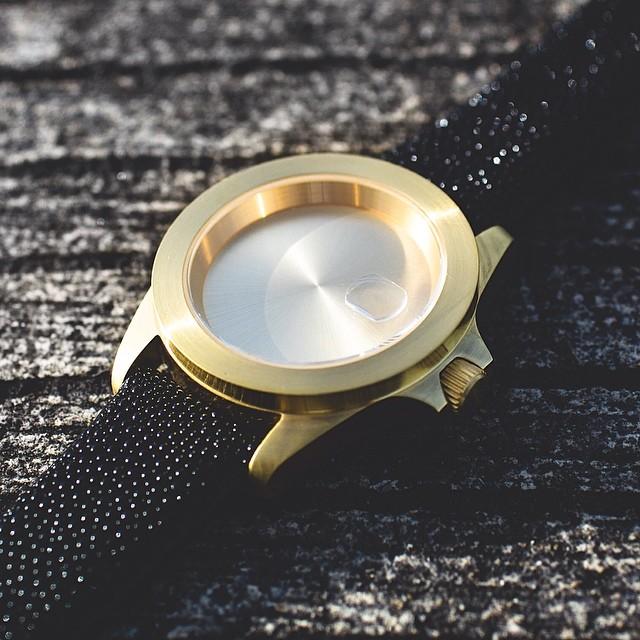infinity-piece-watch-becomb