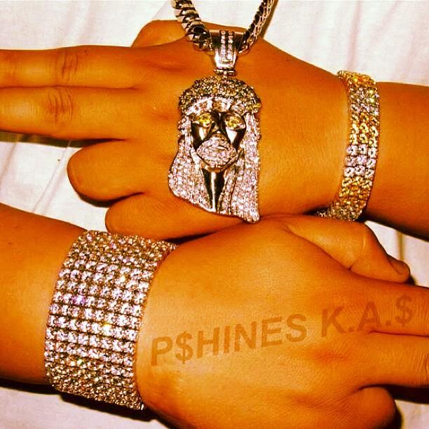 pshines-aow-kufi-jesus-piece-cuban-link