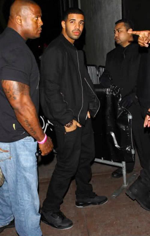 Drake Rocking Air Jordan 3 Black Flip Splashy Splash
