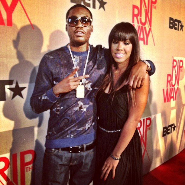 meek-mill-givenchy-airplane-paisley-sweater-louis-vuitton-inventeur-belt-kelly-rowland